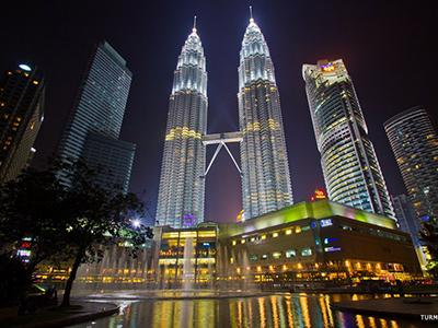 9. Башни Петронас (Petronas Towers), Куала-Лумпур, Малайзия