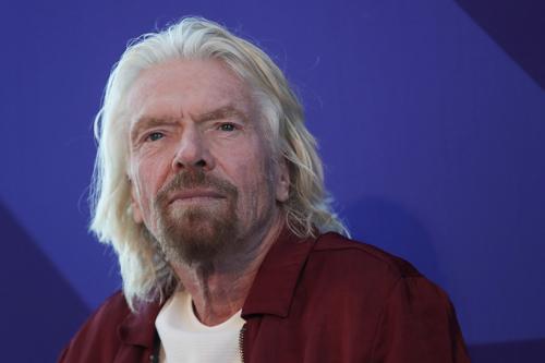 Ричард Брэнсон, основатель Virgin Group, 2 детей Статус: №478 в мировом списке Forbes, $4,1 млрд «Если ваш ребенок собирается попробовать что-то запрещенное, сделайте это вместе с ним. Это лучше, чем вынудить его делать это втайне от вас. Слишком часто взрослые пытаются защитить детей от разочарований в случае провала и неудачи. Это большая ошибка. Чем чаще говоришь детям, что у них не получится, тем быстрее они потеряют свою любознательность и решительность»