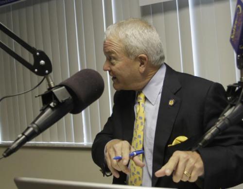 Марк Фоли Американский конгрессмен Марк Фоли - бывший председатель комитета по противодействию сексуальным домогательствам к малолетним через интернет.
