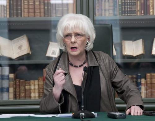 Йоханна Сигурдардоттир Бывший премьер-министр Исландии Йоханна Сигурдардоттир никогда не скрывала своей бисексуальности. С 2009 года и до 10 мая 2013 года она возглавляла правительство Исландии.