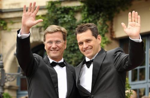 Свой каминг-аут Гидо совершил в 2004 году, придя со своим партнером Михаэлем Мронцем на прием по случаю дня рождения Ангелы Меркель.