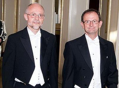 В 2009 году Лае в знак протеста против «тяжелого положения геев в Литве» прибыл на проходящий в Вильнюсе форум мэров в сопровождении своего супруга Йенса Олсена.