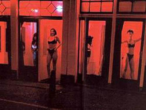 kvartal-krasnih-fonarey-prostitutki