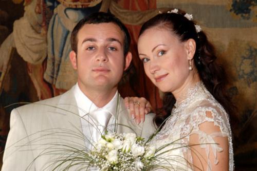 """Нонна Гришаева и Александр Нестеров (12 лет разницы)Они поженились в Праге. """"Разницу в возрасте я не ощущала никогда, просто не забывала о ней"""", - говорит Нонна."""