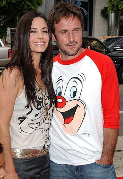В 2004 году у супругов родилась дочь. Когда-то эта пара считалась одной из самых крепких  супружеских пар Голливуда.
