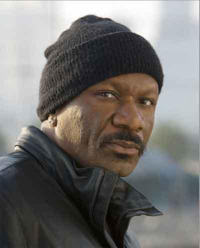 """Кто такой Винг Реймс? Да тот самый огромный черный мафиози, которому в """"Криминальном чтиве"""" вставили кляп в рот!.."""