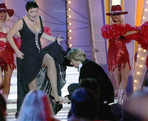 Басков целовал голые ноги Лолиты на глазах у жены (ФОТО) .