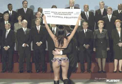 Можно назвать сотни рекламных акций, когда обнаженные девушки протестуют против чего-либо, чтобы привлечь таким образом внимание медиа, утверждают специалисты. Но зачем?!.