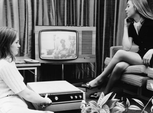 21 сентября 1970: новая система EVR, позволяющая записывать телевизионные программы, которые зритель может посмотреть позже. Новый ТВ плейер был создан компаниями Rank Bush Murphy Ltd. и EVR. Это явилось огромным шагом вперёд в развитии новых технологий.