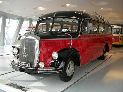 До открытия новой «Мекки автомобилистов» коллекция раритетов располагалась в старом музее фирмы...