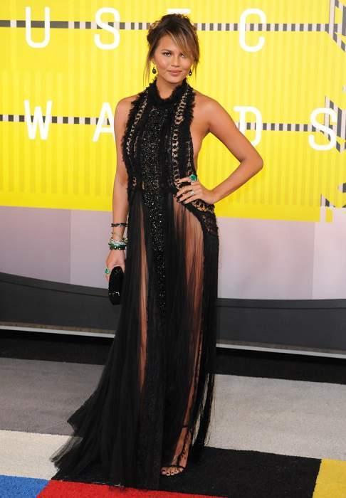 Крисси Тайген (Chrissy Teigen) на церемонии MTV VMA 2015