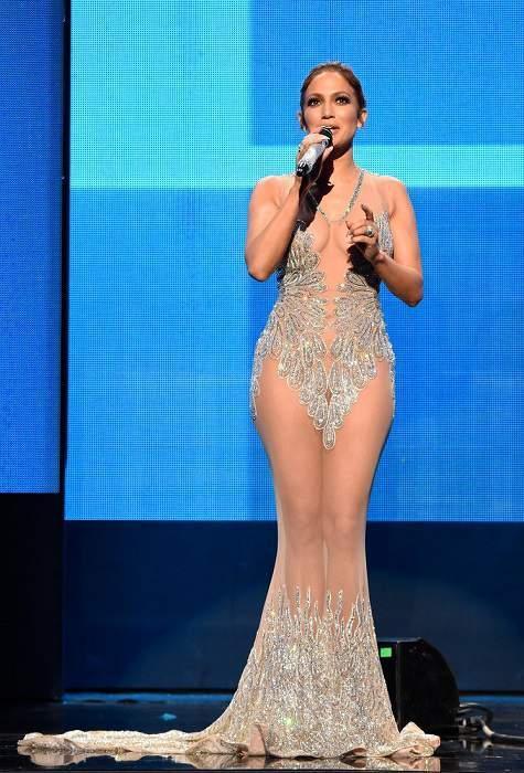 Джей Ло, ведущая церемонии American Music Awards 2015