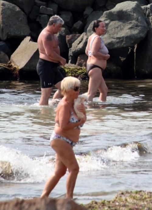 Самые неудачные фото знаменитостей на пляже - Фото ...: http://www.topnews.ru/photo_id_11225.html