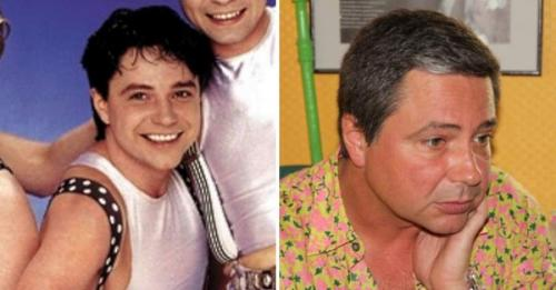 Владимир Асимов Сейчас ему 51 год. В 2003 году ушел из группы и переехал с семьей в Испанию, где продолжает записывать песни, в том числе и на испанском языке. 23-летний сын артиста, Семен, работает на госслужбе в Испании.