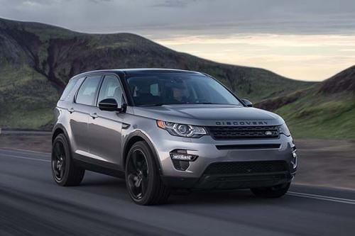Land Rover Discovery Sport������� ������� ��� ��������� ������������ �������������: � 2015 ���� � ������� �������� Discovery Sport. �������� ������� ����� ���� ��� � ����� ��������, �� ��� �������� ������ � ���������� ���������� ������ �� ������ 2015-��. ����� ��������� ����������� ������������ �� 150-������� ������� ������� ������� 2,2 ����� ��������� � 1 950 000 ������ � �� ����� ��������� ������������ HSE � ��� �� ������� �������� ��������� ��� 2 179 000 ������. � ������ ���������� � ���������� ���������� ��������� 240 ��������� ��� ���� Land Rover ��������� �� ��� � ��������� ��������.