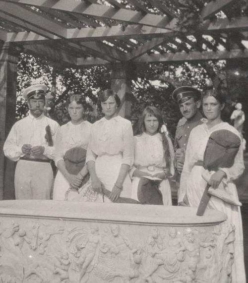 Редкие фотографии царской семьи из