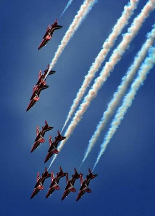 � Air Tattoo ��������� ������� ������� �� ��������������, ��� � ������ ������ �����
