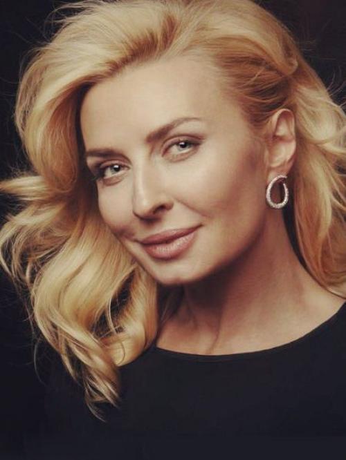 Татьяна Овсиенко Когда-то без выступлений Овсиенко не возможно было представить ни один большой концерт, ни одну торжественную церемонию. Популярность певицы в 90-е просто зашкаливала.