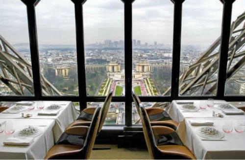 6. Ресторан Les Jules Verne, Париж, Франция.