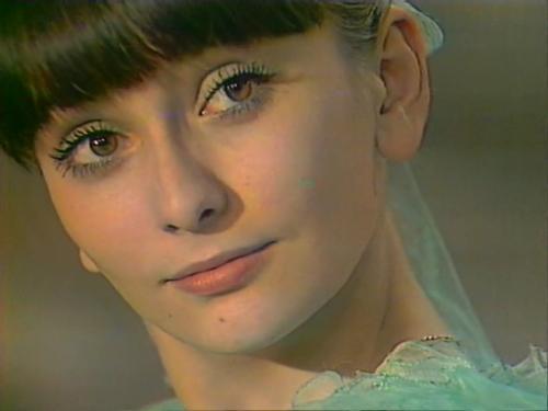 Путин поздравил с75-летием актрису Ирину Мирошниченко