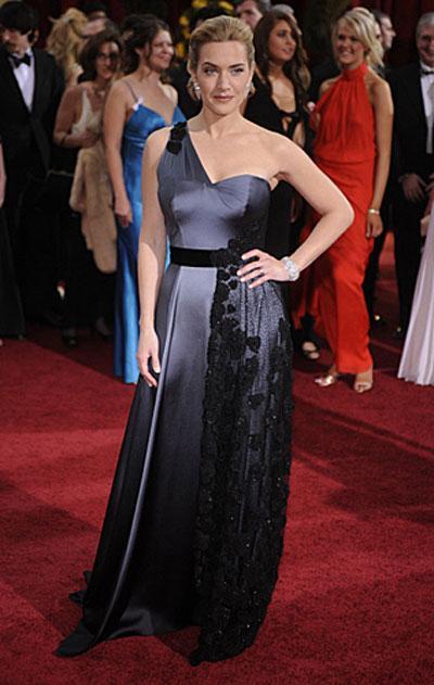"""""""Лучшая актриса """" Кейт Уинслет в платье Atelier Yves Saint Laurent..."""