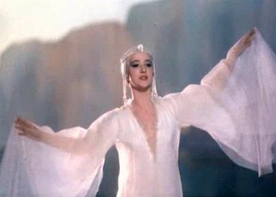 Актриса, выступавшая, как одна из солисток балета в постановках Большого театра, отличалась на экране особой грациозной красотой. Дебютом в кино для нее стала роль Царевны Лебедь в фильме Александра Птушко «Сказке о царе Салтане» (1966).