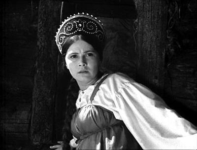 Актрисе, сыгравшей Василису из замечательной сказки Александра Роу «Василиса Прекрасная» (1939), на момент съемок было 27 лет.