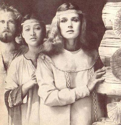 Широкому зрителю Ирина известна больше, как Констанция Бонасье из фильма «Д`Артаньян и три мушкетера» (1979). В настоящее время 61-летняя актриса является одной из ведущих в театре «Школа современной пьесы».