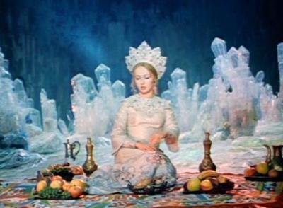 После окончания института она некоторое время проработала манекенщицей, а потом ее пригласили на роль Людмилы во второй экранизации поэмы Пушкина «Руслан и Людмила»(1972) режиссера Александра Птушко.
