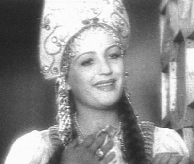 На протяжении 20 лет Заслуженная артистка Кабардино-Балкарии проработала в Московском театре им. Маяковского, сыграв в частности, Гертруду, королеву Датскую, в знаменитом спектакле Николая Охлопкова «Гамлет».