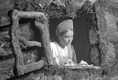 Сорогожская ушла из жизни в июне 1988 года в Москве. Похоронена на Домодедовском кладбище Москвы.  Сегодня дочь Валентины живет во Франции, а сыновья - в Москве.