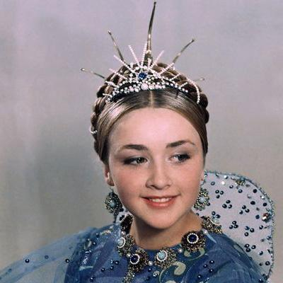 Роль в фильме «Варвара-краса, длинная коса» (1969) стала визитной карточкой Клюевой. После съемок девушка поступила в ГИТИС и снялась еще в нескольких фильмах, в частности - «Самый сильный» (1973) и «Встретимся у фонтана» (1976).