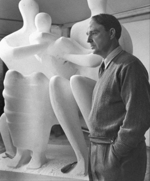 ����� ��� (Henry Moore)