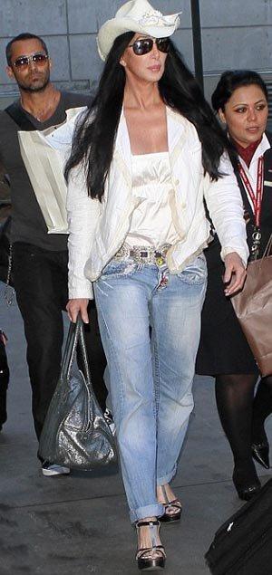старушка в джинсах