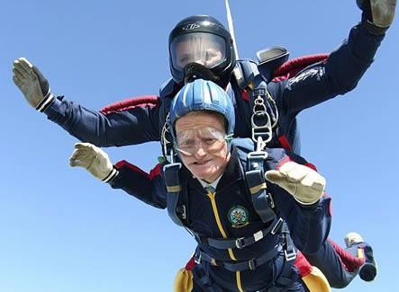 Самый старый парашютист