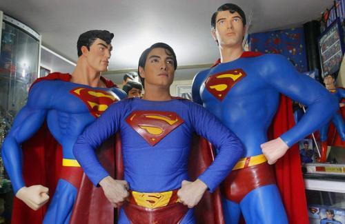 Герберт ЧавесФилиппинец Герберт Чавес, который потратил 16 лет своей жизни и перенёс 13 пластических операций, для того чтобы стать похожим на своего кумира Супермена.