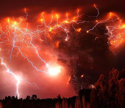 Удивительное природное явление: вулканические молнии