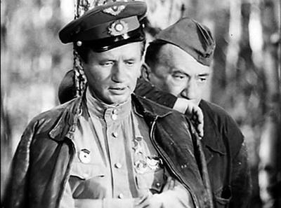 В октябре 1978 года у Смирнова случился сердечный приступ, после которого он длительное время провел в больнице. 25 марта 1979 года к нему в гости приехал Леонид Быков. Это была последняя встреча друзей. Посмотреть на знаменитого режиссера сбежался весь персонал ленинградской больницы. Быков принес Смирнову апельсины и провел у постели больного друга два часа. На прощание, похлопав его по плечу, сказал фразу из фильма: «Будем жить, Макарыч! Будем жить». Спустя две недели Леонид Быков погиб в автокатастрофе.