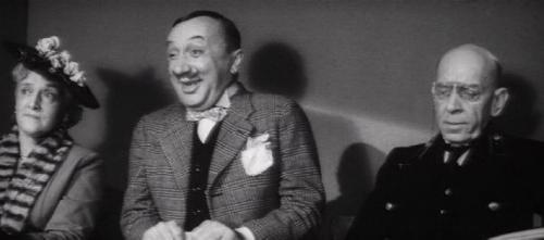 Между тем к концу 1950-х годов слава об интересном актере-комике распространилась не только в театральной среде, но и среди кинематографистов. В 1959 году режиссер Юрий Озеров пригласил Смирнова на одну из ролей в свою картину «Кочубей», в которой актер сыграл единственного комического героя.