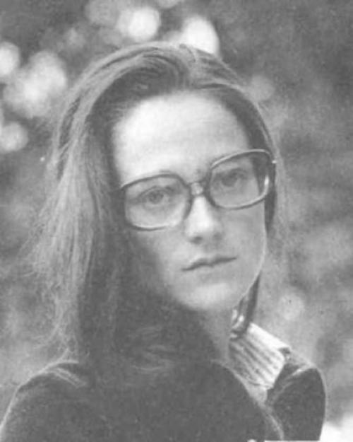 Иностранка была даже в числе жен Андрея: в 1969 году он женился на переводчике и востоковеде француженке Вивиан Годе, которая закончила МГУ.