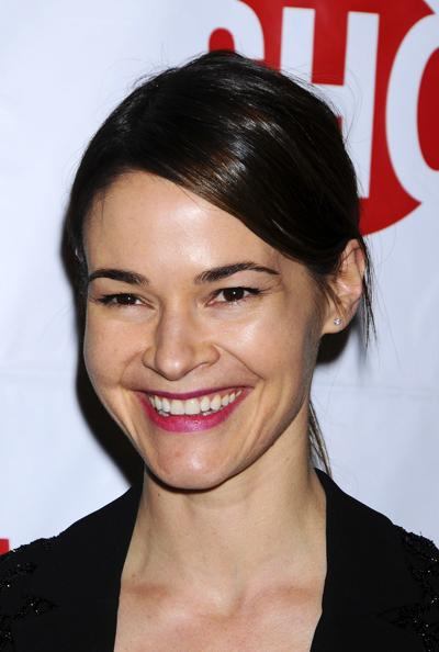 ������� ����� ����� (Leisha Hailey) � �� ������� ���� ����� � ����� �Southwest Airlines�, ��������� �� ��������� � ����-����, �� ���������� �������.