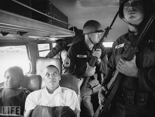 �������� ������� (Freedom Riders). Photo by Paul Schutzer, 1961. ����������� ������� �������� ���������� ���������� ������� ������ � ����� ����������, ������� ������������ ������ ��������� ���� ����������� ��������� � ����� ������ ���.
