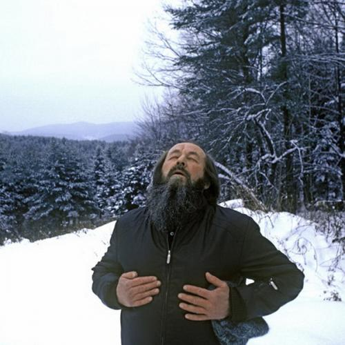 Alexander Solzhenitsyn Breathes Free. Photo by Harry Benson. Александр Солженицын в Вермонте.
