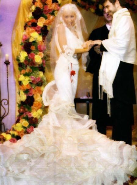 Платье от christian lacroix гости на свадьбе