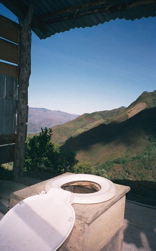 Самые удивительные виды из туалетов