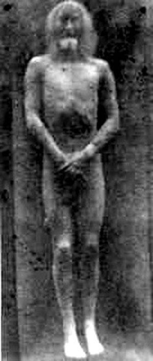Однажды ученые уже пытались воссоздать образ Христа – тогда только виртуальный – по отпечатку на плащанице. В 1976 году американский физик Джон Джексон, основываясь на лабораторных анализах американского ученого Билла Моттерна, создал объемную модель тела на компьютере…