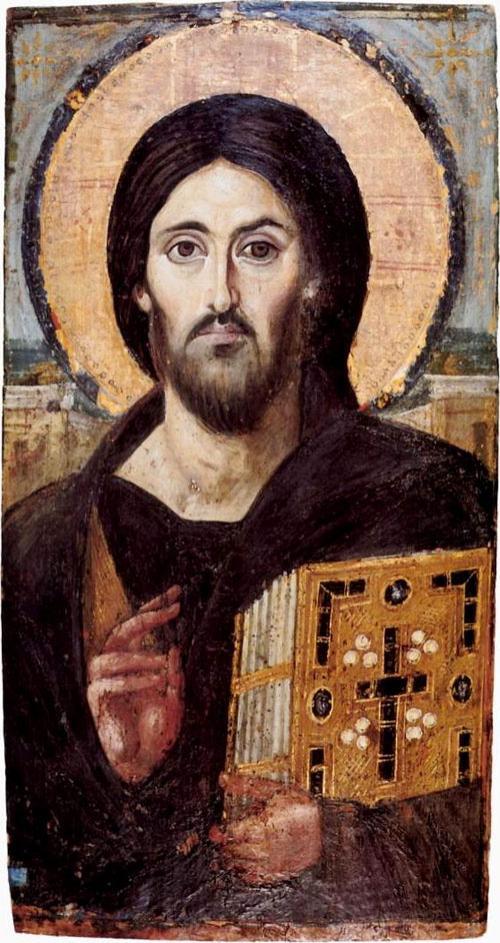 Историки нашли подтверждения, что Туринская плащаница была известна уже в VI веке. Никто не сомневался в те времена в ее подлинности, ей поклонялись верующие. И оказалось, что иконописцы в ту пору писали лик Христа именно с плащаницы. Существует древняя икона Христа Вседержителя в монастыре Святой Екатерины на горе Синай. По преданию, ее подарил император Юстиниан I, который и построил здесь монастырь.Неизвестный художник, написавший этот лик в 544 году, старался передать образ Спасителя наиболее верно, копируя его с самого достоверного источника – плащаницы.