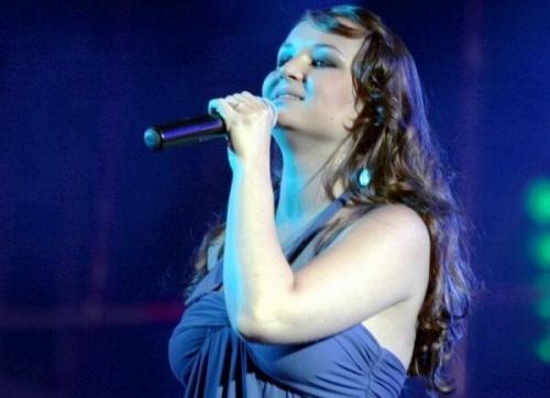 Полина Гагарина В начале музыкальной карьеры образ певицы был очень далек от современного.