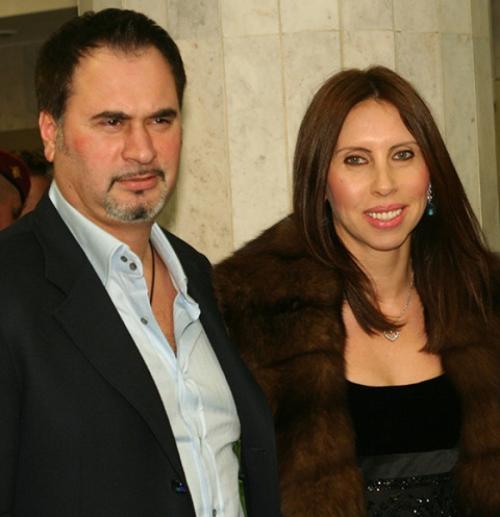Валерий МеладзеПевец прожил с супругой в браке 20 лет и стал отцом троих детей, когда неожиданно подал на развод.