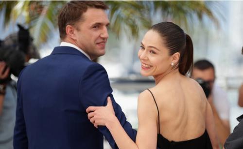 """Весной 2014 года Владимир закрутил роман с партнершей по фильму """"Лефиафан"""" Еленой Лядовой. Компрометирующие снимки попали в СМИ, после чего последовал разрыв с женой."""